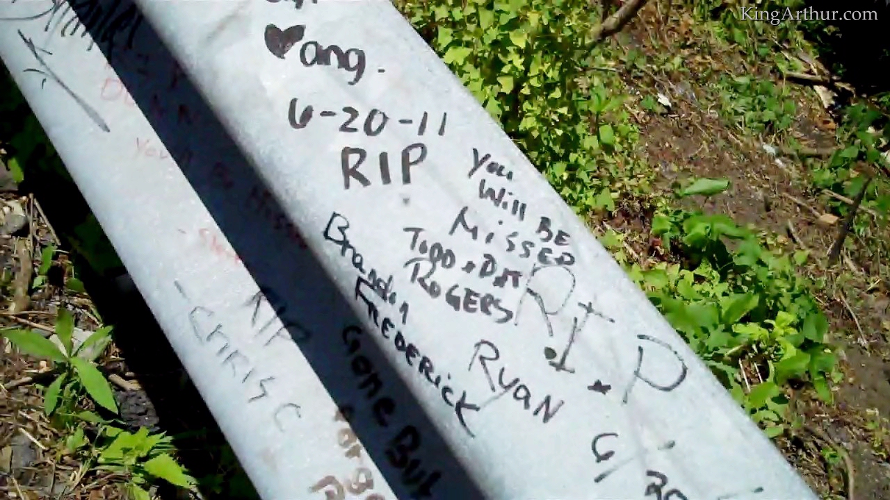Czeshop Images Ryan Dunn Headstone